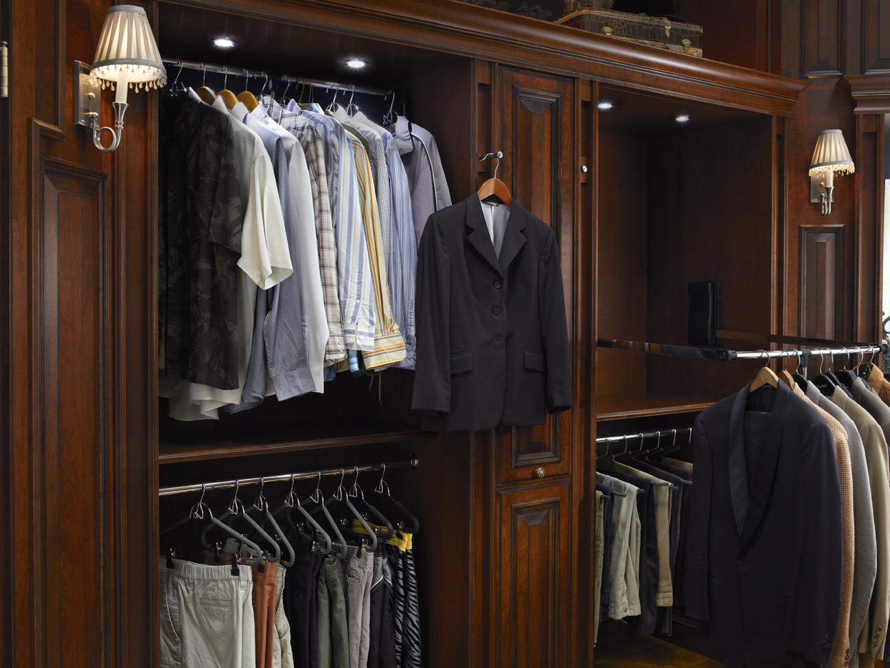 Wood Mode Hunt Club Valet Pull Down Clothing Rack Custom