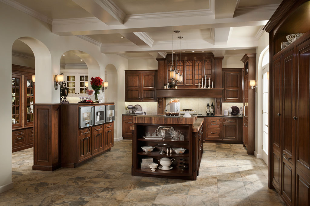 Elegant Traditions Kitchen by Wood-Mode