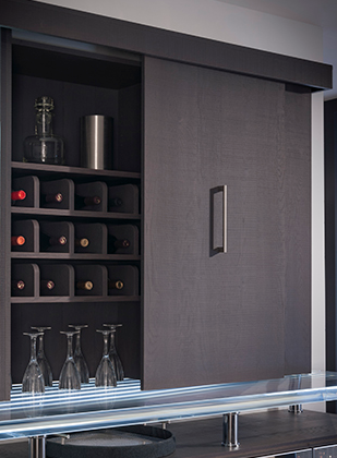 Lateral Bi-Pass Doors Wine and Glass Storage